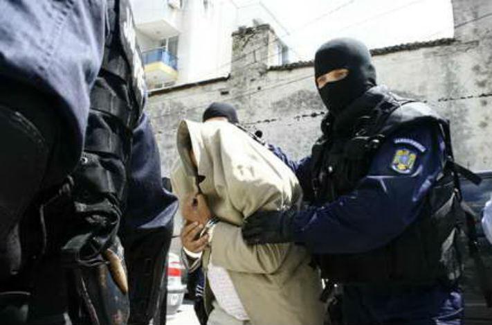 DIICOT Ploiesti cerceteaza un caz cu peste o suta de suspecti, intre care si directorul Alka, Ady Hirsch