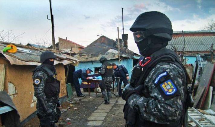 Prahova: Ce au descoperit politistii dupa perchezitiile efectuate in patru localitati din judet