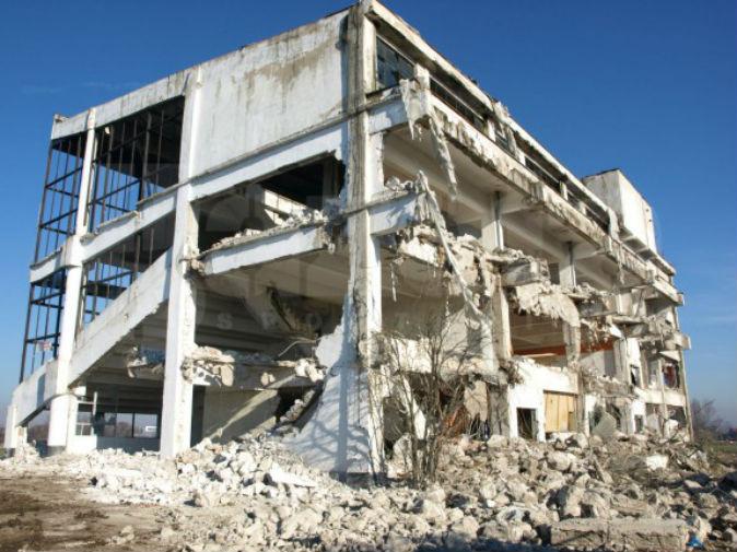 Se fura si resturile de la demolarea Hipodromului Ploiesti