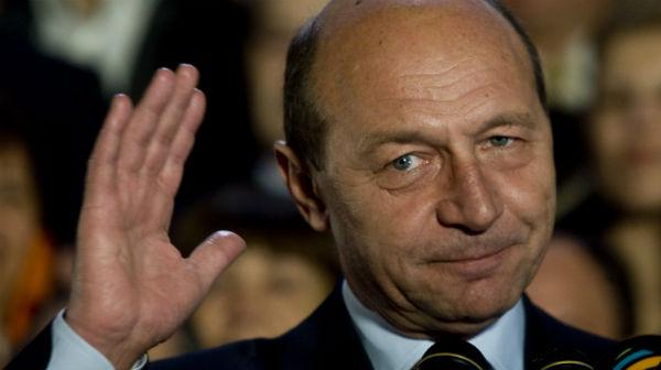 Atac suburban al lui Basescu la adresa presedintelui Iohannis