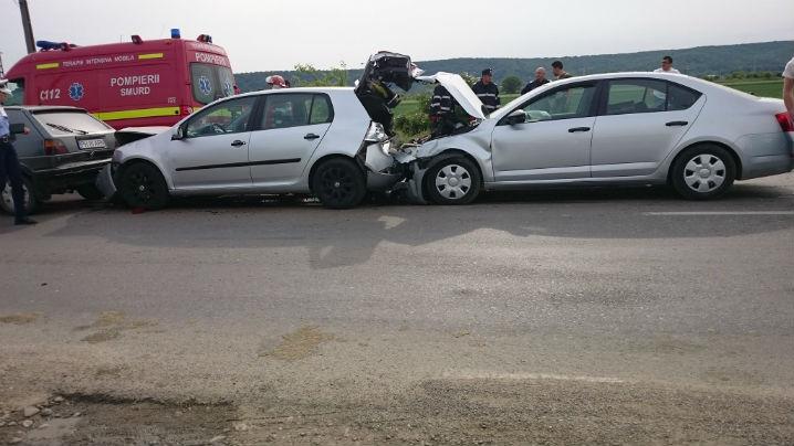 Accident in lant pe DN1, langa Ploiesti. Cinci masini s-au lovit