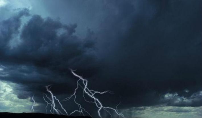 Avertizare meteo: COD GALBEN de ploi si descarcari electrice in Prahova