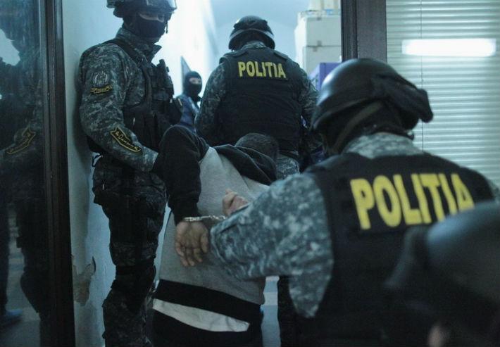 Mascatii din Prahova au descins, in aceasta dimineata, la suspecti de proxenetism din Ploiesti si Berceni