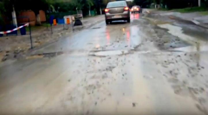 Pentru nereguli grave, firma care lucreaza la instalarea conductelor de canalizare din Breaza a fost amendata cu…2625 lei