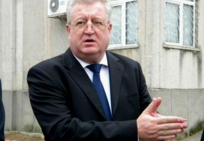 Senatorul Daniel Savu si-a dat demisia din PSD. Politicianul spune ca ajunsese sa incomodeze