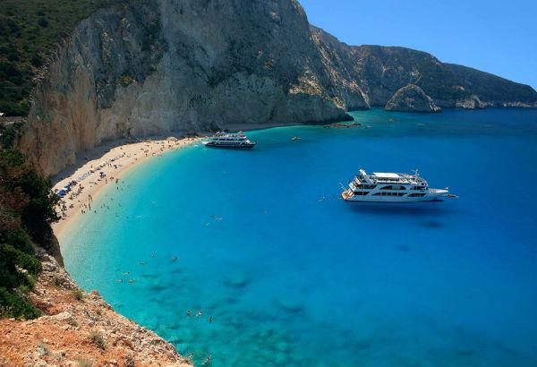 Una dintre cele mai celebre plaje din Grecia, distrusa de un cutremur (VIDEO)