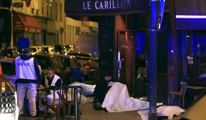 Atacuri teroriste fara precedent la Paris. Zeci de morti, mii de oameni panicati (VIDEO)