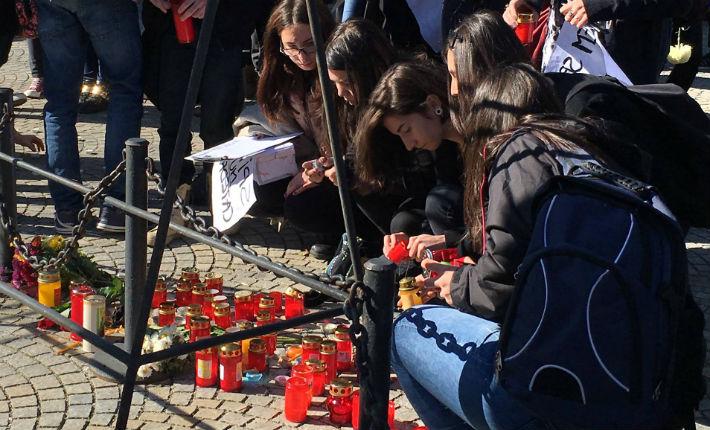 Tinerii au protestat, la Ploiesti, fata de faptele care permit sa se intample tragedii precum la Club Colectiv