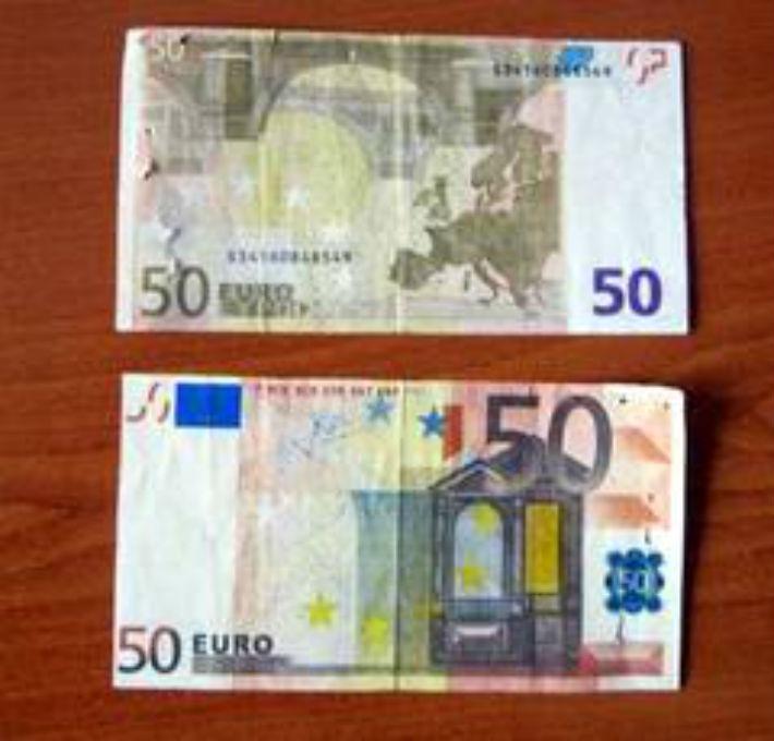 Valuta falsa pusa in circulatie pe piata din Ploiesti de un cuplu din Arges?