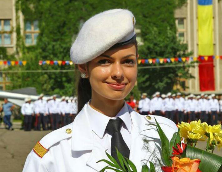 Stirea despre o eleva premianta a Colegiului Militar din Breaza face furori pe pagina de facebook a MApN
