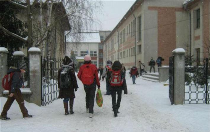 Daca scolile se inchid din nou - iata ce trebuie sa stie ...  |Se Inchid Scolile