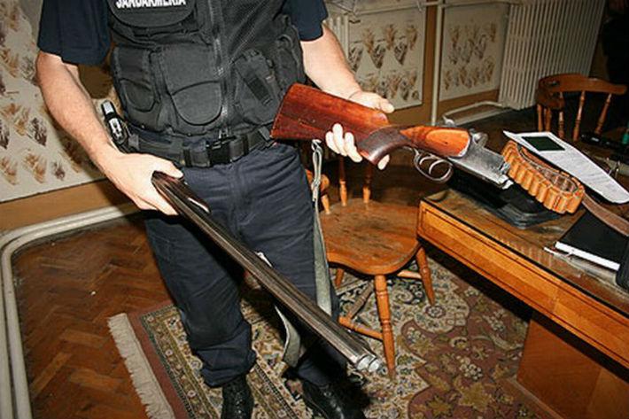 Perchezitii ale politistilor in Campina, la persoane suspectate de braconaj (UPDATE + VIDEO)
