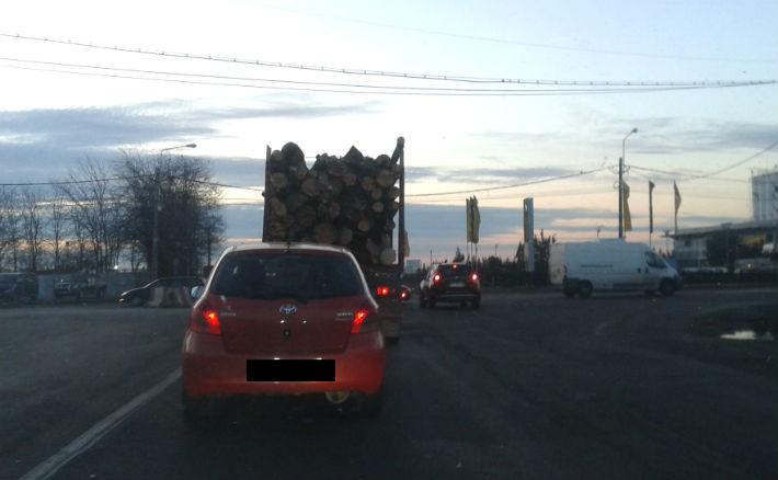 camion lemne Prahova1
