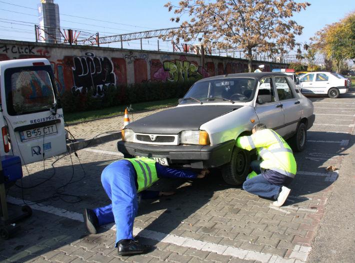 Probleme mari in urma unui control RAR pe raza orasului Plopeni. 14 masini din 16 erau in neregula