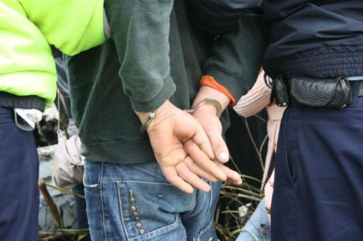 Dambovita: Politistii au prins un botosanean, care a comis toate infractiunile posibile