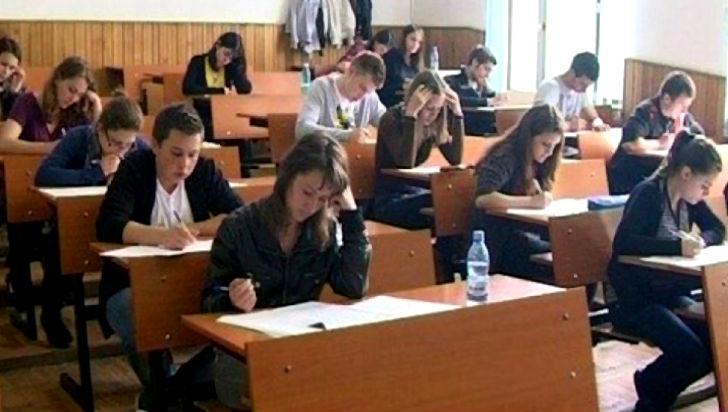 Elevii claselor a XI-a si a XII-a au inceput simularea probelor scrise din cadrul examenului de bacalaureat