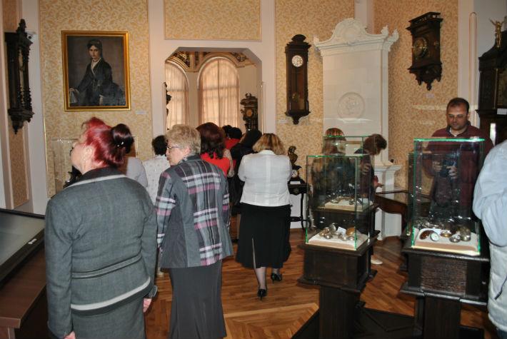 Ce pot vedea vizitatorii la Muzeul Ceasului din Ploiesti, renovat recent (Galerie foto)