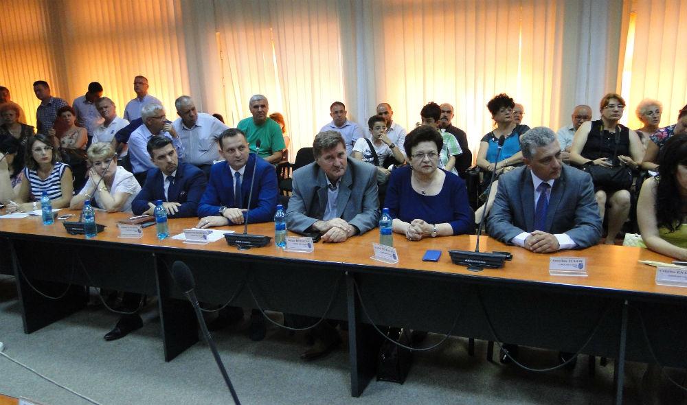 Consilierii PNL Ploiesti ii acuza pe cei de la PSD, ALDE si PMP ca dezinformeaza. Afla ce i-a nemultumit