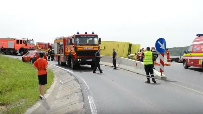 accident autocar Brasov Persani 4 morti foto