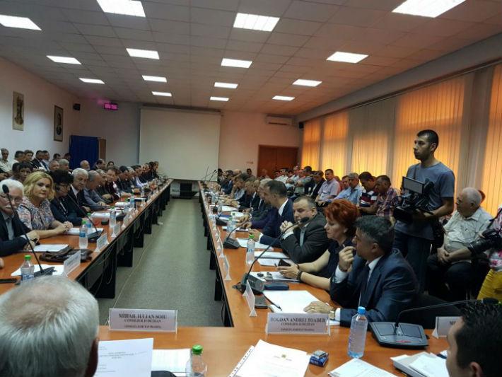 Scandal dupa scandal in noul Consiliul Judetean Prahova. Liberalii contesta votul, PSD sesizeaza DNA