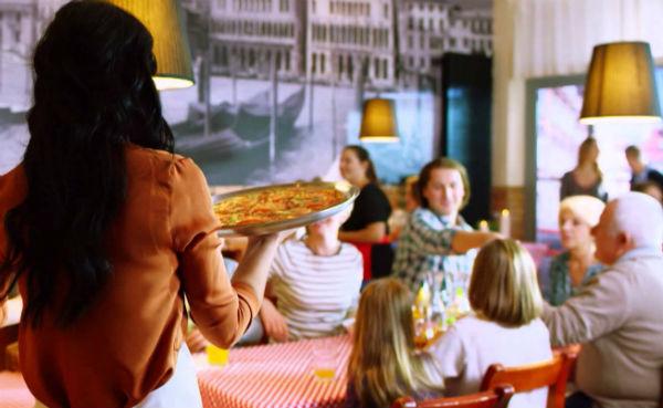 Romanilor le place viata si pe timp de criza! Un studiu arata ca suntem mai cheltuitori decat polonezii