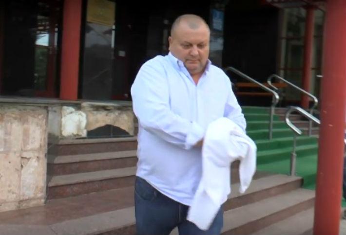 Fostul sef al Politiei Mizil, Marius Nicusor Rotaru, nu a fost trimis inca in judecata, dupa 1 an si jumatate de la retinere!