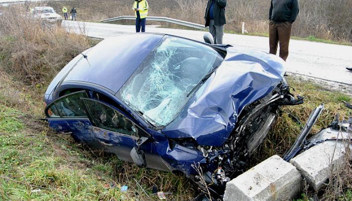 Accident tragic in Prahova. Un tanar aflat sub influenta bauturii este acuzat de moartea prietenilor sai
