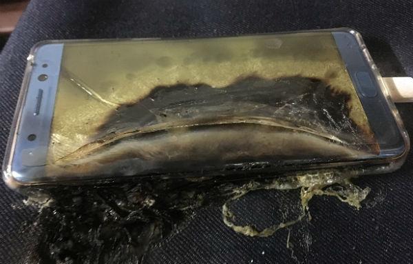 Grupul Samsung cere de urgenta clientilor sai sa inchida telefoanele Galaxy Note 7
