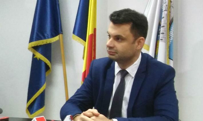 Primele audiente pe facebook, tinute de un primar al municipiului Ploiesti. Adrian Dobre va asteapta la ora 20:00