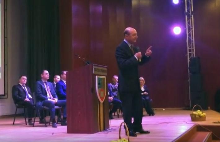 Traian Basescu, la Ploiesti: PMP sustine construirea unui canal Dunare – Bucuresti si debirocratizarea institutiilor