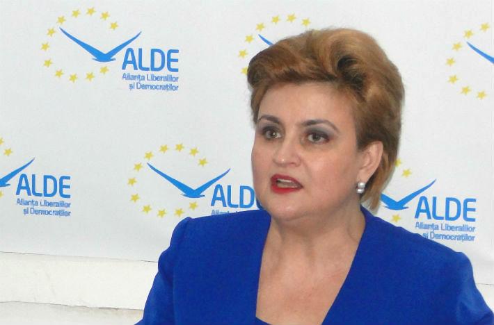 """Gratiela Gavrilescu, catre tinerii din ALDE: """"Va rog să fiti la concurenta cu #rezist"""""""