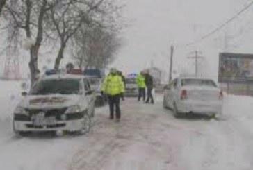 IPJ Buzau: Un sofer de pe un utilaj de deszapezire a murit lovit de o masina