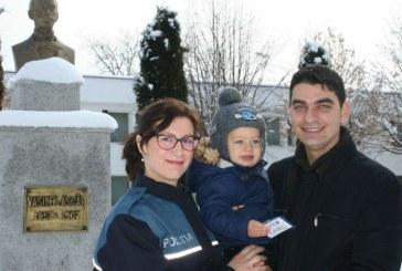 """De Valentine's Day, politistii de la Scoala """"Vasile Lascar"""" din Campina au grija de Manu"""
