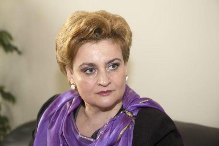 Ministrul Mediului, Gratiela Gavrilescu, adusa la disperare de catre un jurnalist