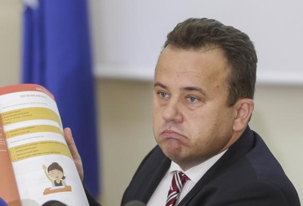 Vezi ce deputat de Prahova a cerut demisia ministrului Educatiei