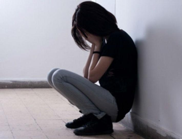 S-au inmultit pedofilii! Un pensionar din Campina si-a batut joc de o fata de numai 13 ani