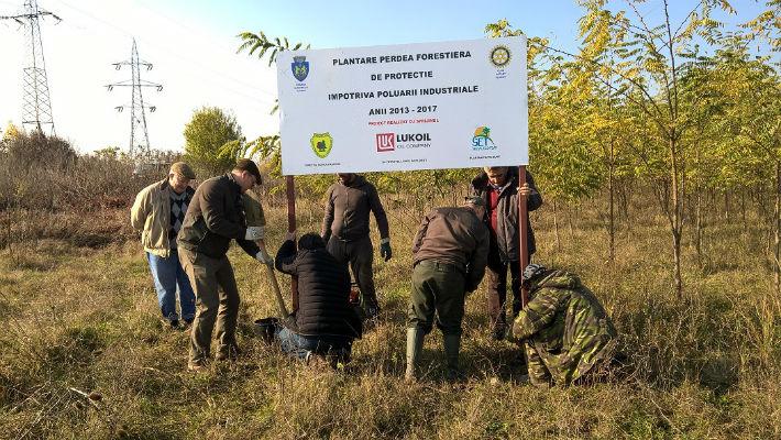 Clubul Rotary Ploiesti a finalizat proiectul de realizare a unei perdele verzi pe centura de est a orasului