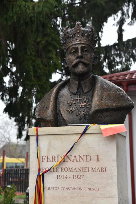 bust Ferdinand la Paulesti 2