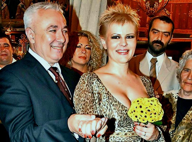 Surse: O cunoscuta solista si sotul ei, ridicati de DIICOT pentru inselaciune. Prejudiciul este de aproape un milion de euro!