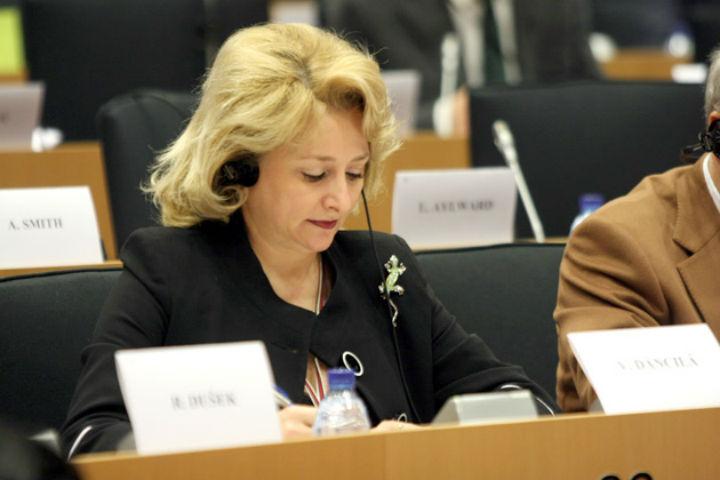 Dragnea ne-a ascultat sfatul: Pentru functia de premier a nominalizat o femeie care a studiat la Ploiesti
