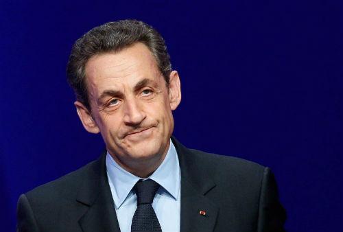 Nicolas Sarkozy retinut de politie custody of police