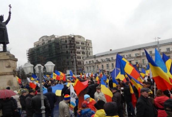 Politicieni romani sarbatoaresc, la Chisinau, centenarul Marii Uniri dintre Basarabia si Romania