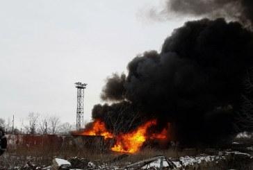 Ploiesti: Incendiu la rafinaria Astra, din cauza unui rezervor dezafectat (FOTO)