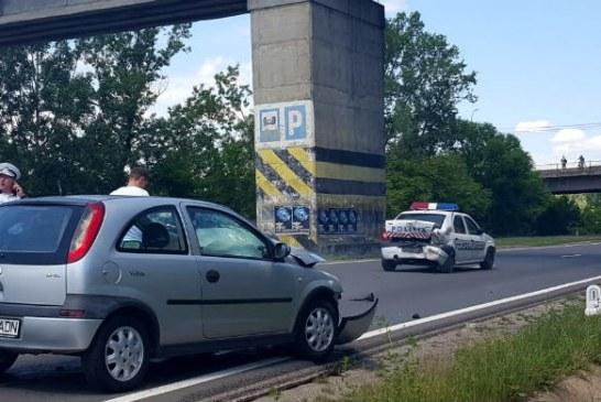 Masina de politie, lovita pe DN1, in timp ce intervenea ca sa opreasca un sinucigas