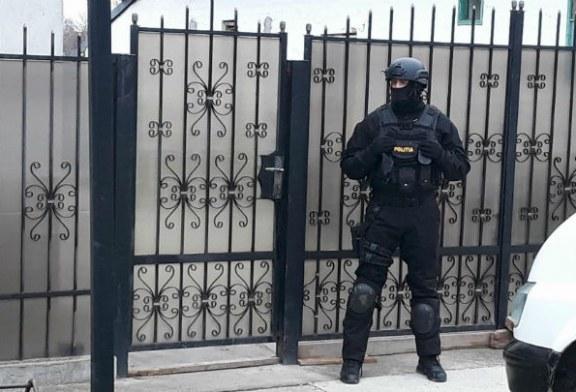 Prahova: Perchezitii la persoane acuzate ca furau din TIR-uri (VIDEO)